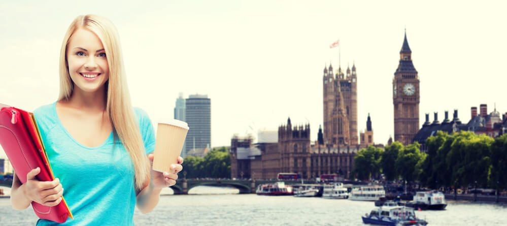 vantagens e desvantagens de estudar no exterior
